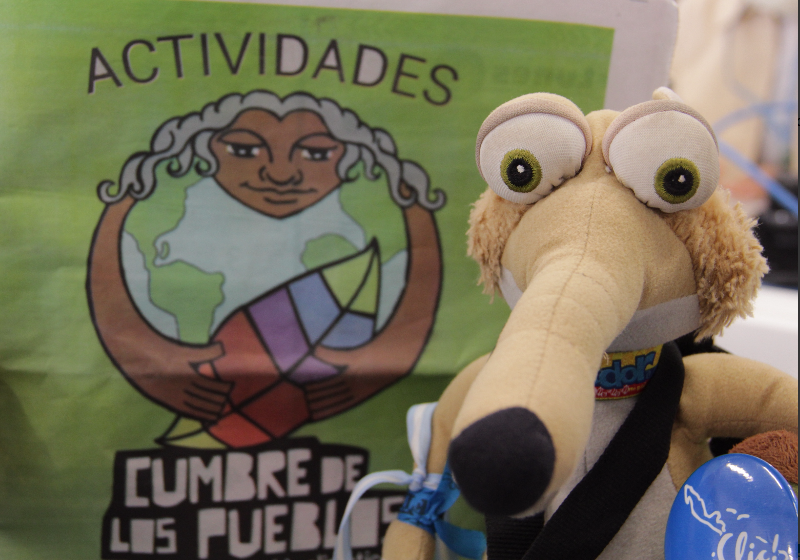 Super Fulanito discovers organic and familiar agriculture at People's Summit